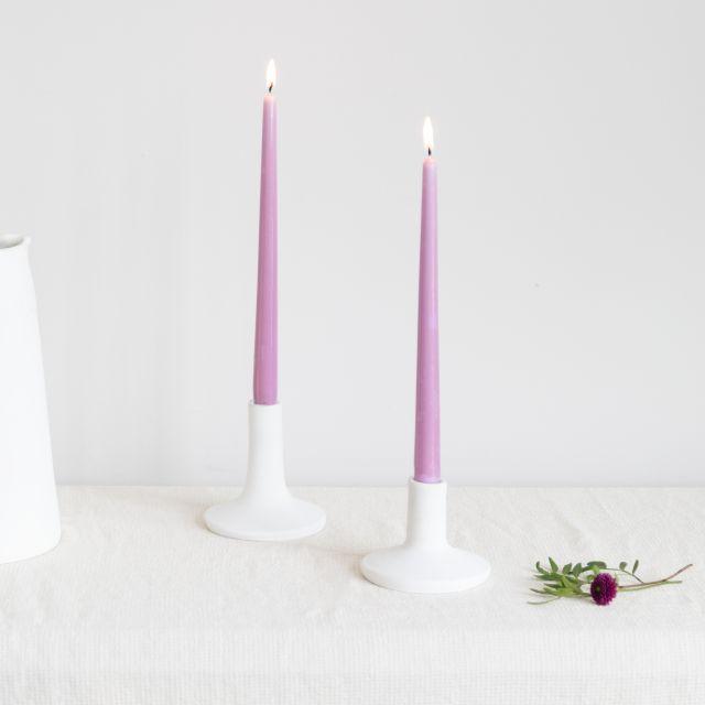 2 velas + 2 candelabros