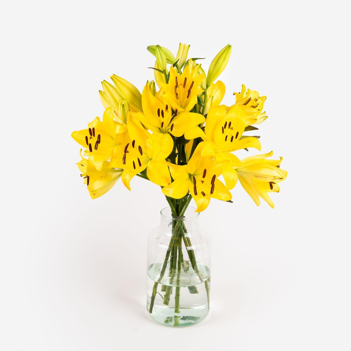 Mazzo di Gigli gialli - Beau Soleil - Fiori a domicilio - Colvin