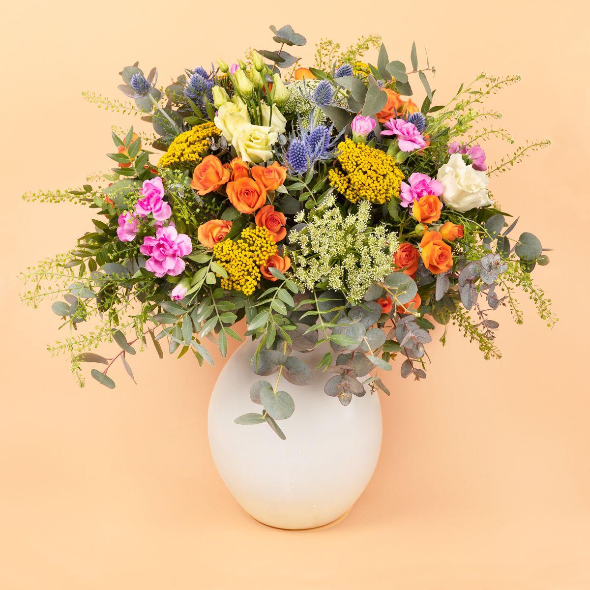 Mazzo di fiori con rose pitimini - Blossom Garden - Fiori a domicilio - Colvin