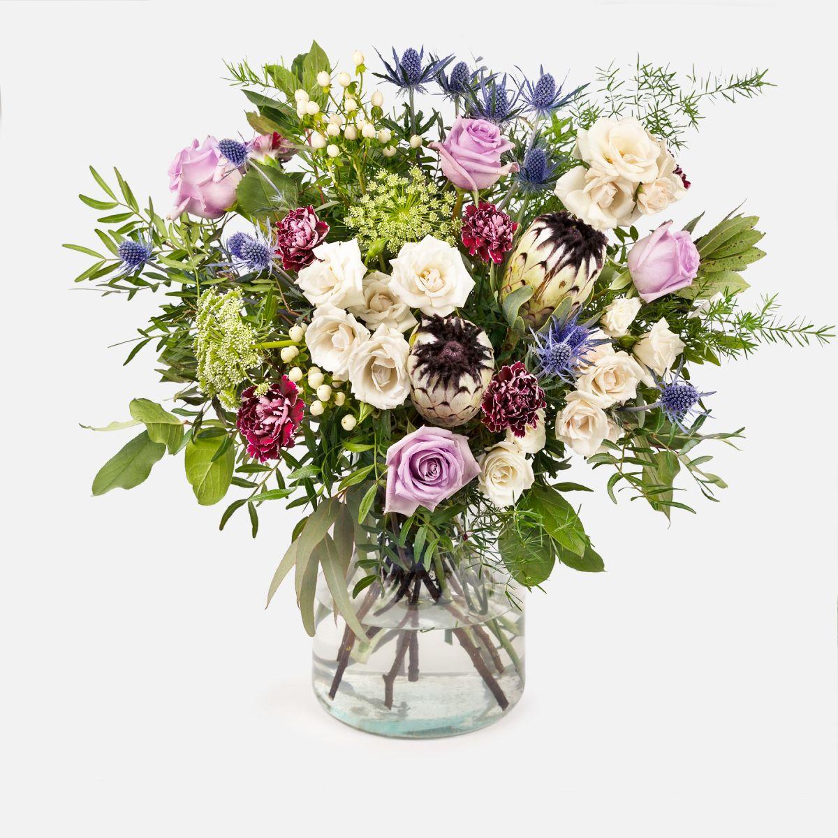 Fiori a domicilio - Bouquet con Protea e Garofani - FEEL THE MAGIC - Colvin