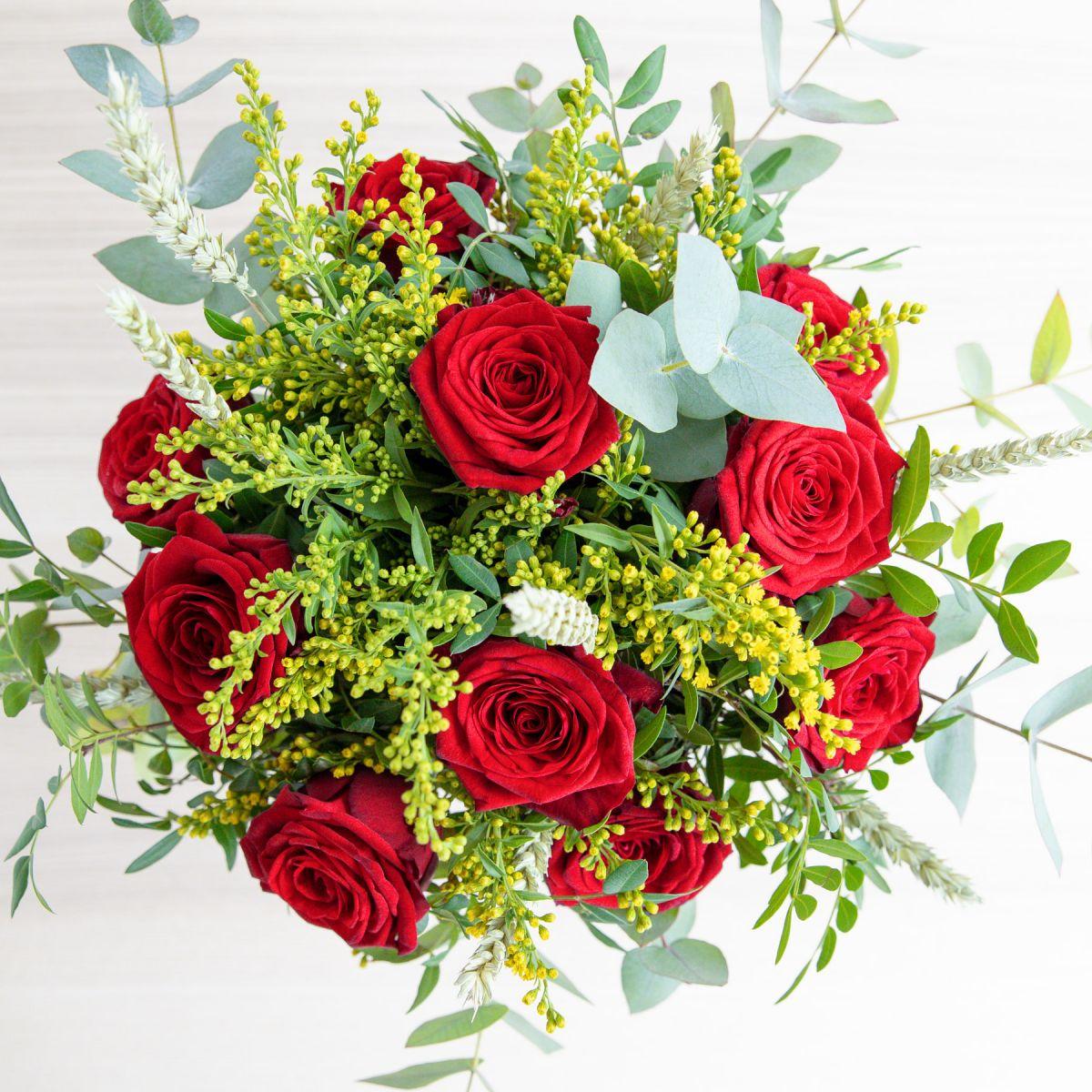 Ramo de rosas rojas para sant jordi grandes colvin - Ramos de flores grandes ...