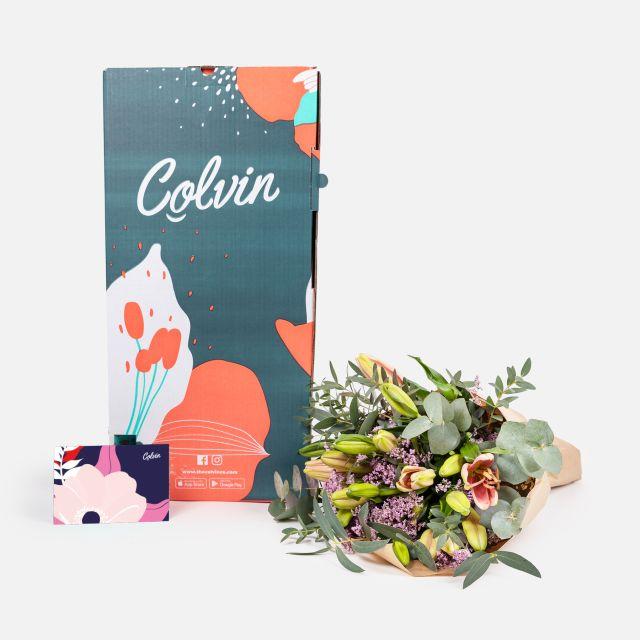 Bouquet di fiori con gigli rosa per San Valentino