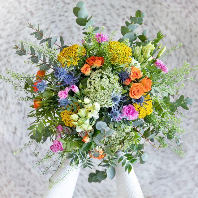 Enviar flores online de rosas pitimini y achillea