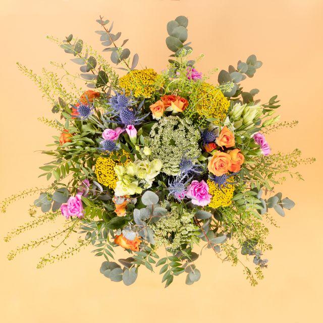 Enviar ramo de flores con rosas pitimini y achillea