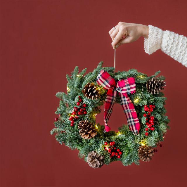 Invia online Corona di Natale Classic Wreath