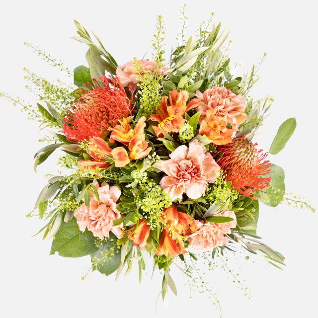 Blumenstrauß aus Nelken und Alstromelia