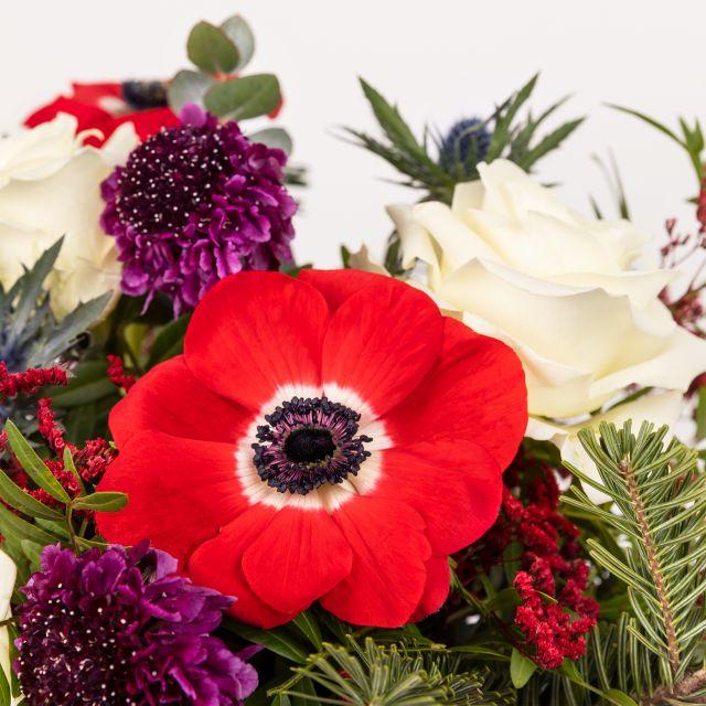 Bouquet di anemoni e rose