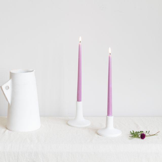 pack jarrón de ceramica blanca, vela y candelabro