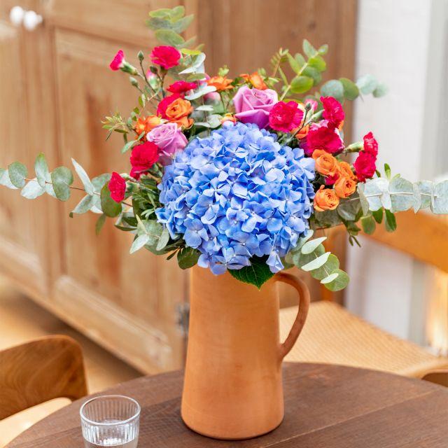 Bouquet di ortensie azzurre e rosa Colvin