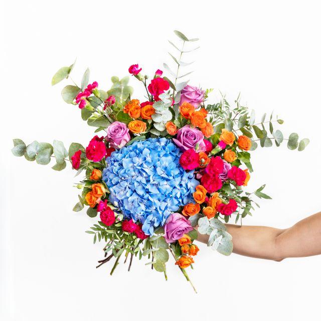 Bouquet di ortensie azzurre e rosa
