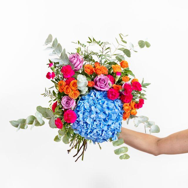 Inviare bouquet di ortensie azzurre e rosa