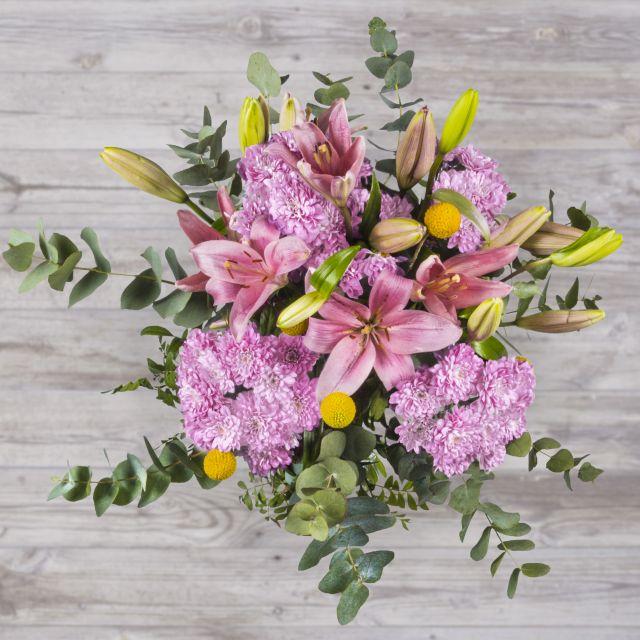 Ramo con flores rosas y amarillas