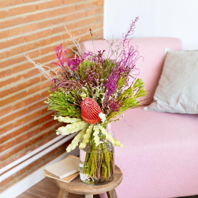 Blumen mit Banksia und Berzelia mit Lieferung nach Hause