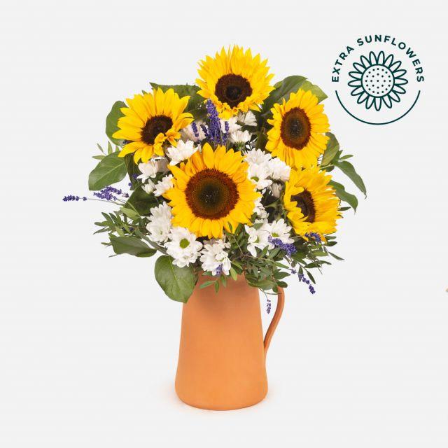 Strauß mit Sonnenblumen und Lavendel