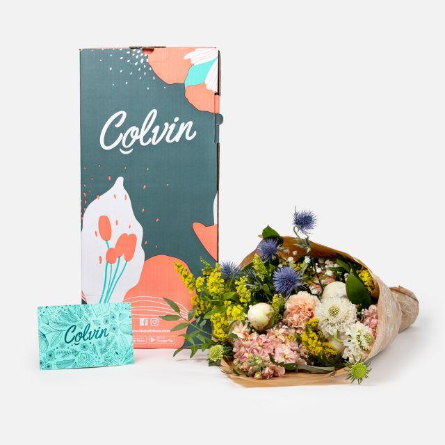Blumenstrauß aus weißen Pfingstrosen nach Hause schicken