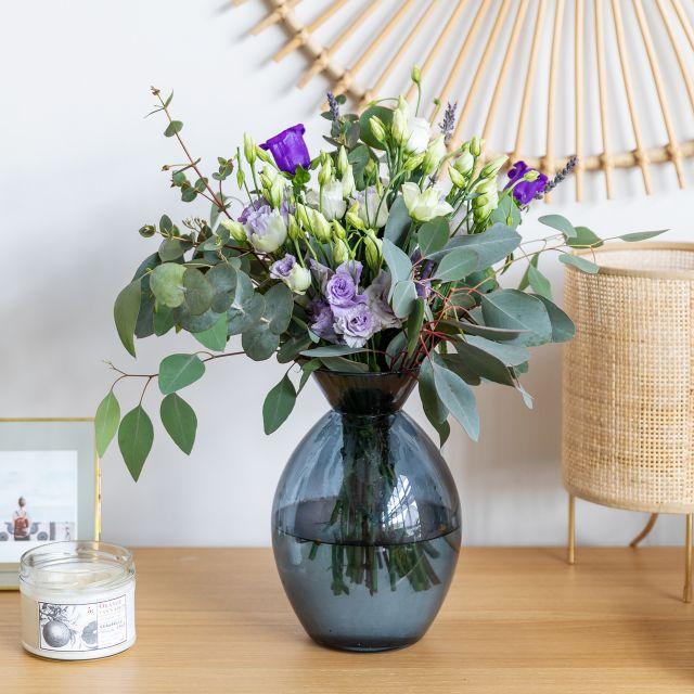 Ramo de flores con lavanda e eucalipto