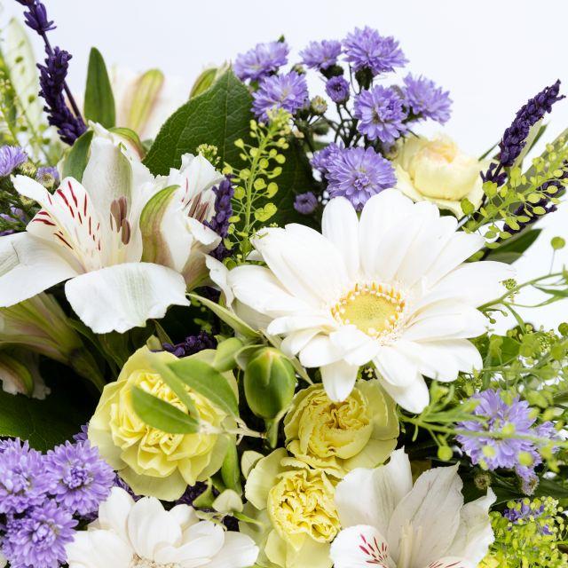Envio online de ramo de flores com lavanda