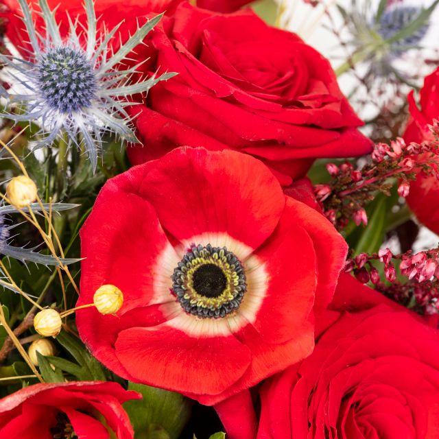 Envío online de ramo de flores con anémona
