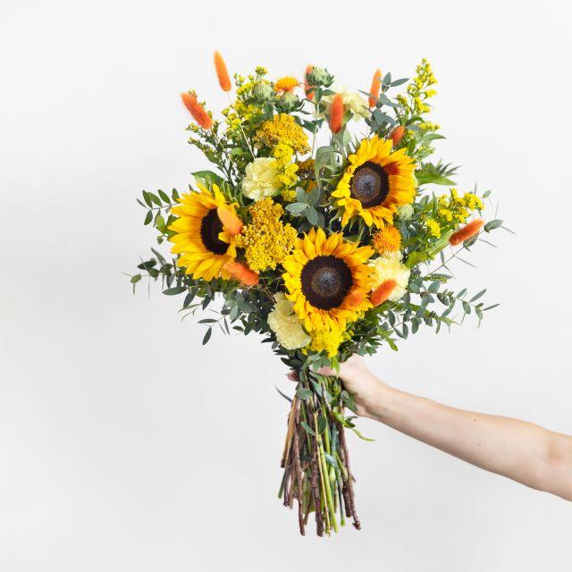 Enviar a domicilio ramo de flores horoscopo leo