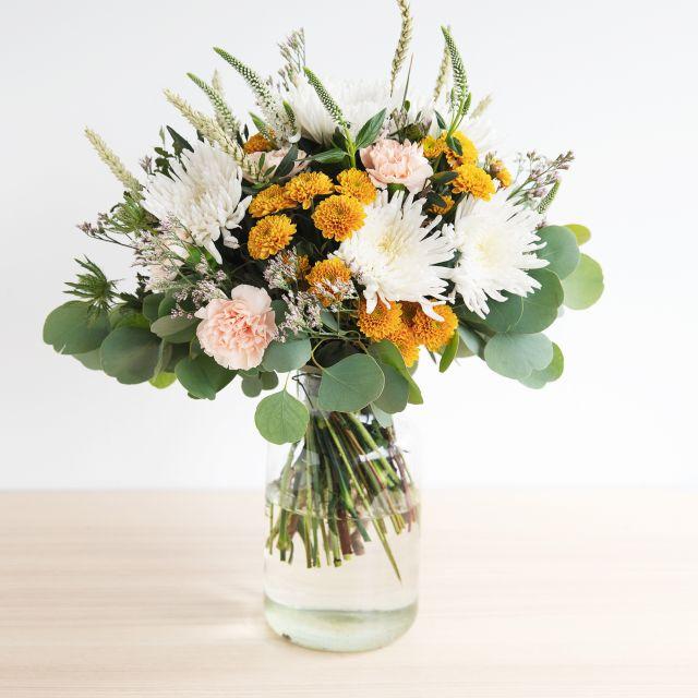 Weißer Veronica-Blumenstrauß