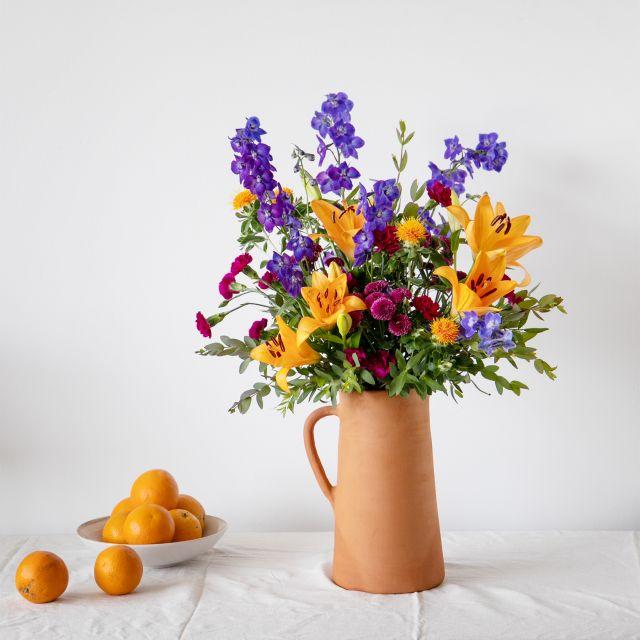 Ramo de flores con crisantemos y clavel