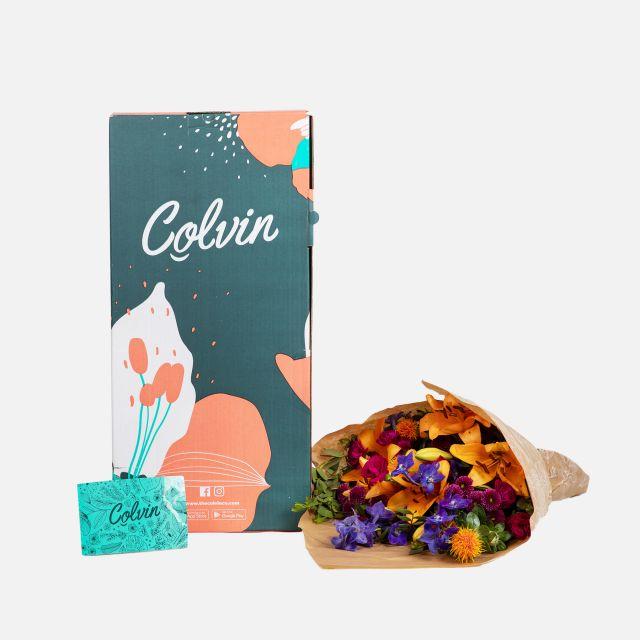 Bouquet di fiori con crisantemi e gigli