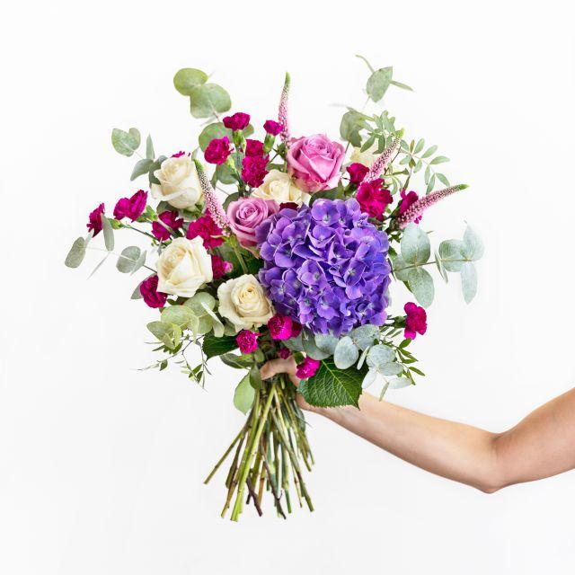 Bouquet di ortensie viola e rosa