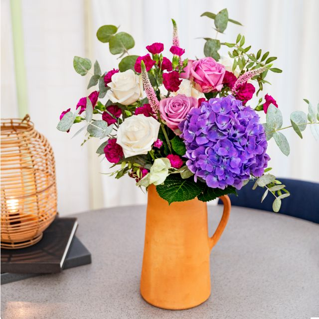 Invio online bouquet di ortensie viola e rosa