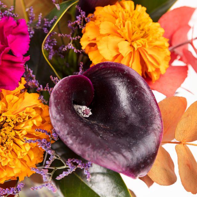 Invia Bouquet di Halloween Morticia