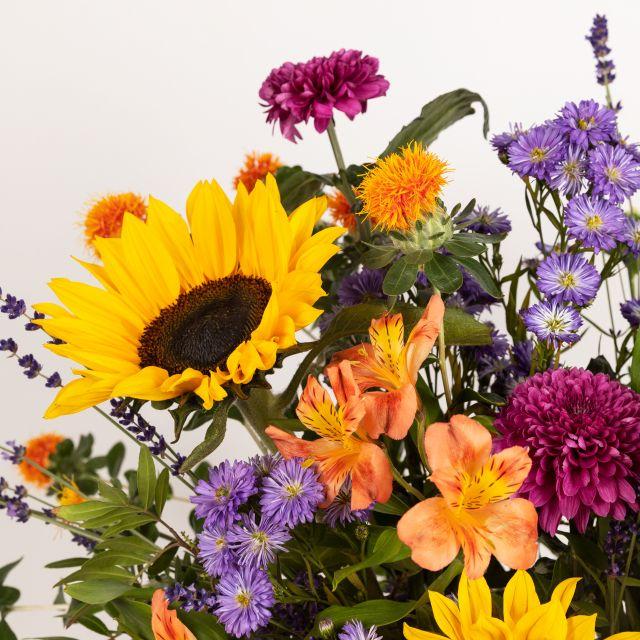 Comprar ramo de flores con girasoles y crisantemos