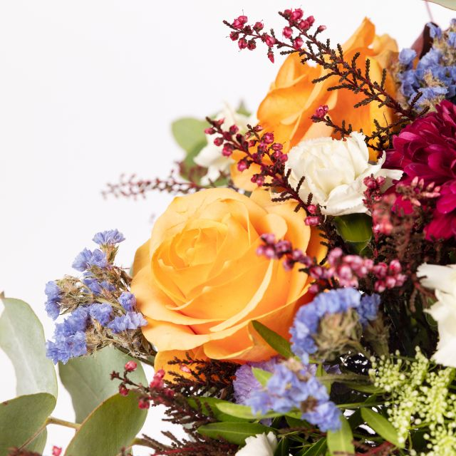 Consegna online del bouquet di fiori di Nara