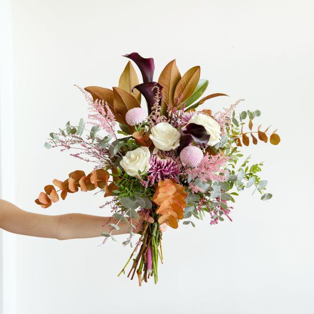Enviar ramo de flores rosas blancas y crisantemo