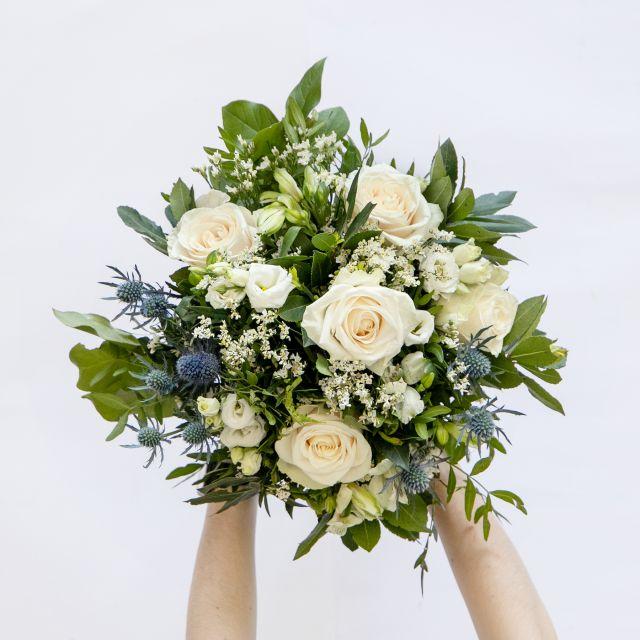 Online-Lieferung von weißen Rosen