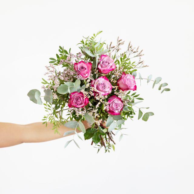 Enviar ramo con rosas deep purple y limonium