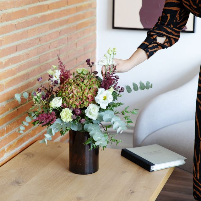 Ramo con hortensia antique y claveles
