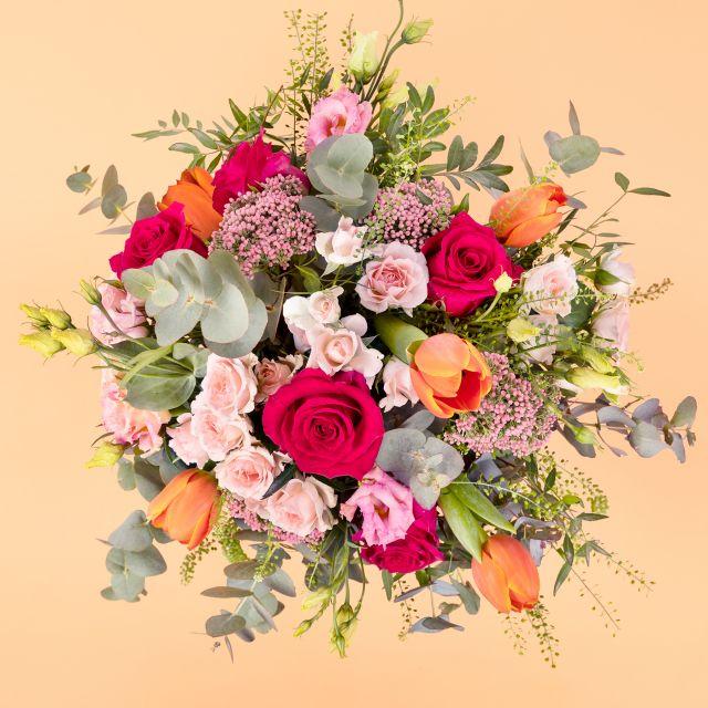 Enviar ramo de flores com flor de arroz e rosas