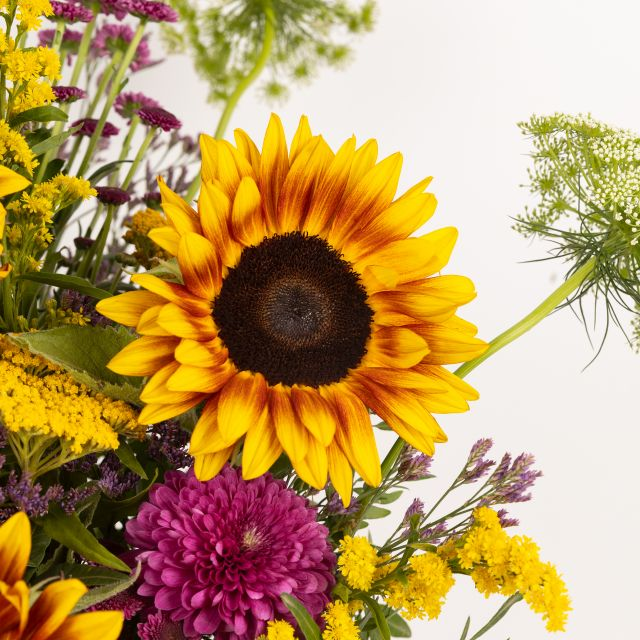 Comprar ramo de flores con girasoles y limonium