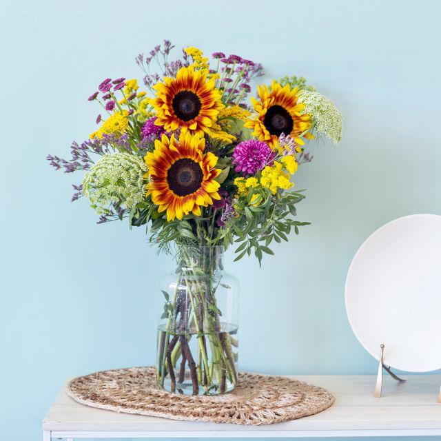 Comprar ramo de flores  com girassóis e limonium