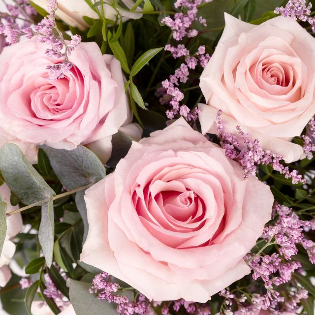 Blumenstrauß mit Rosen und Limonium verschicken