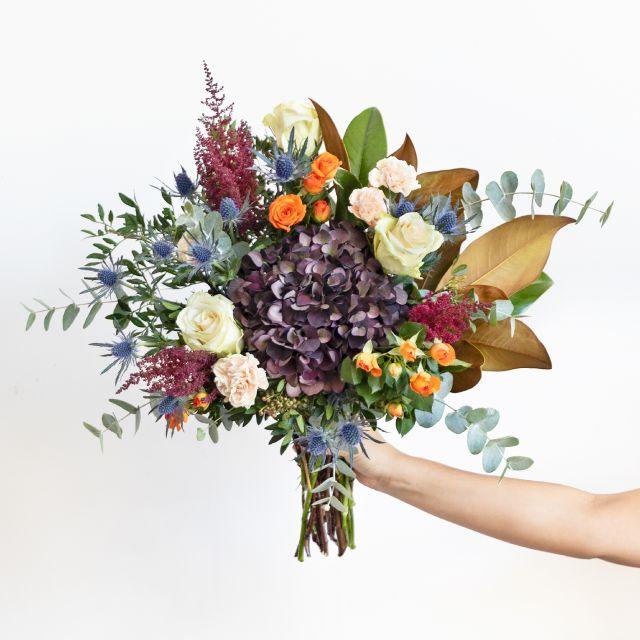 Enviar Ramo con hortensia y magnolia