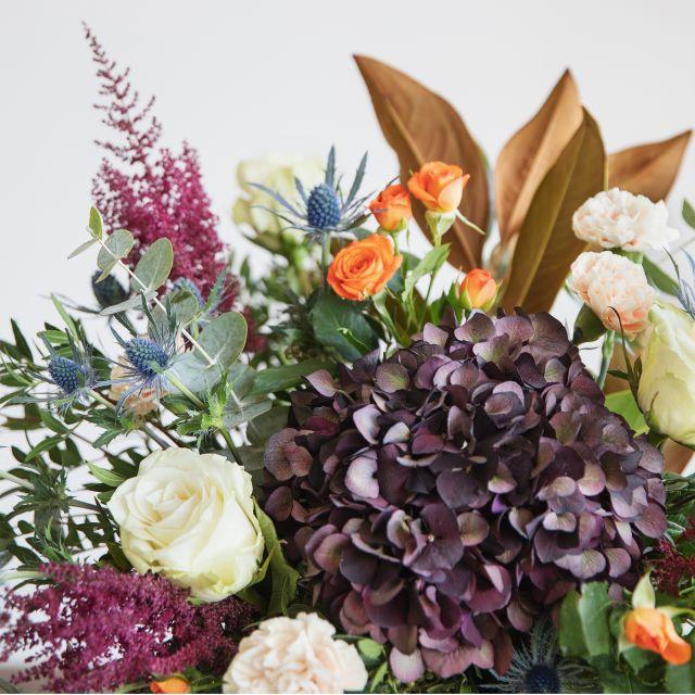 Comprar Ramo con hortensia y magnolia