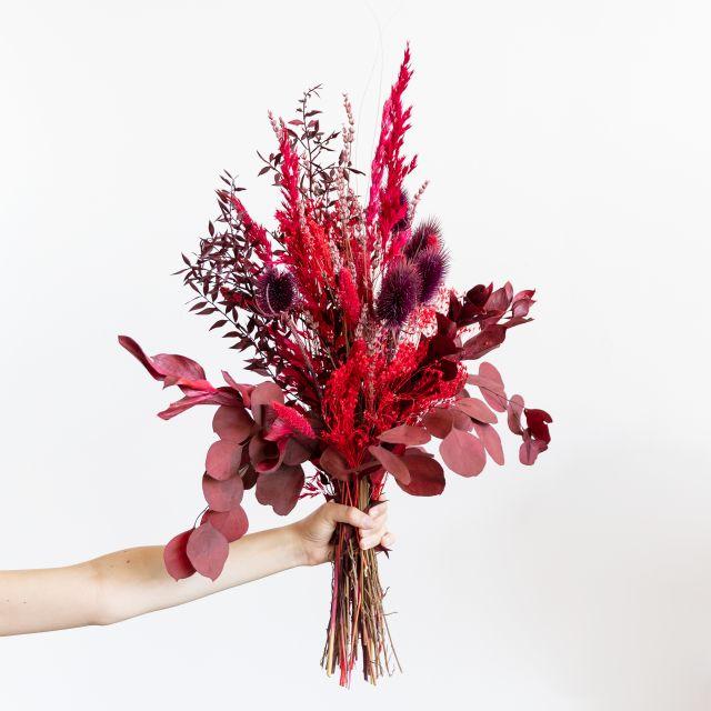 Ramo flores secas com ruscus
