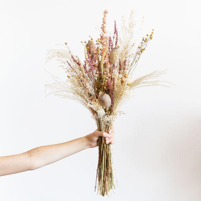 Ramo flores secas com lavanda