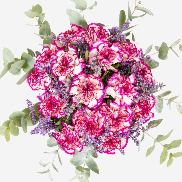 Bouquet di fiori con garofani porpora
