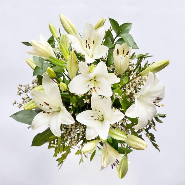 Weiße Lilien nach Hause schicken