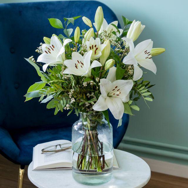 Weiße Lilien online versenden