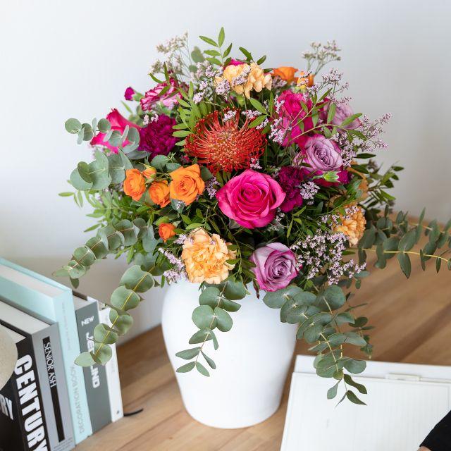 Blumenstrauß mit Rosen und Dianthus zum Muttertag versenden