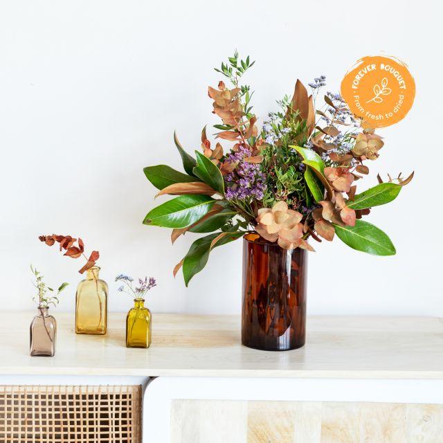 Comprare bouquet di fiori con calle nere e garofani